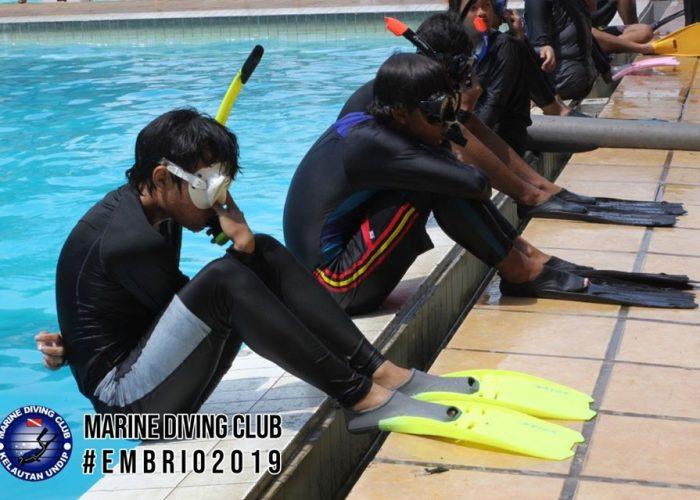Belajar Renang dengan Menyenangkan di EMBRIO 2019